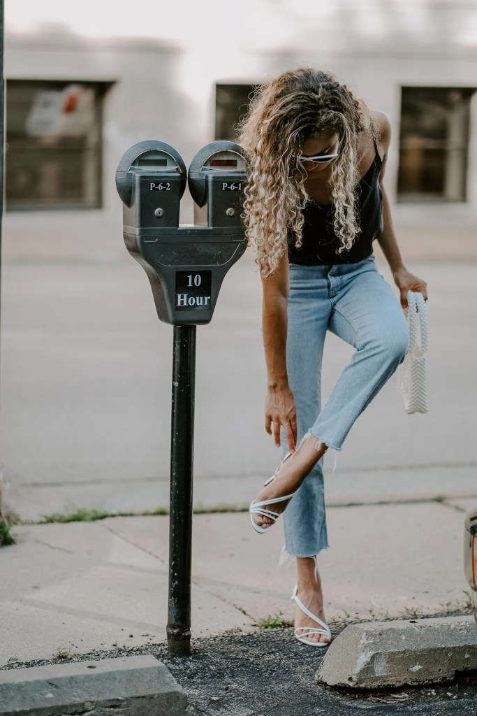 straight leg jeans outfit and a pearl bag