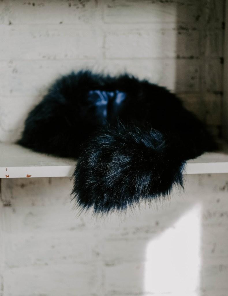 blue faux fur collar