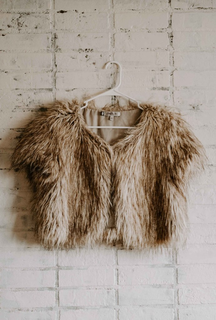 faux fur cropped vest