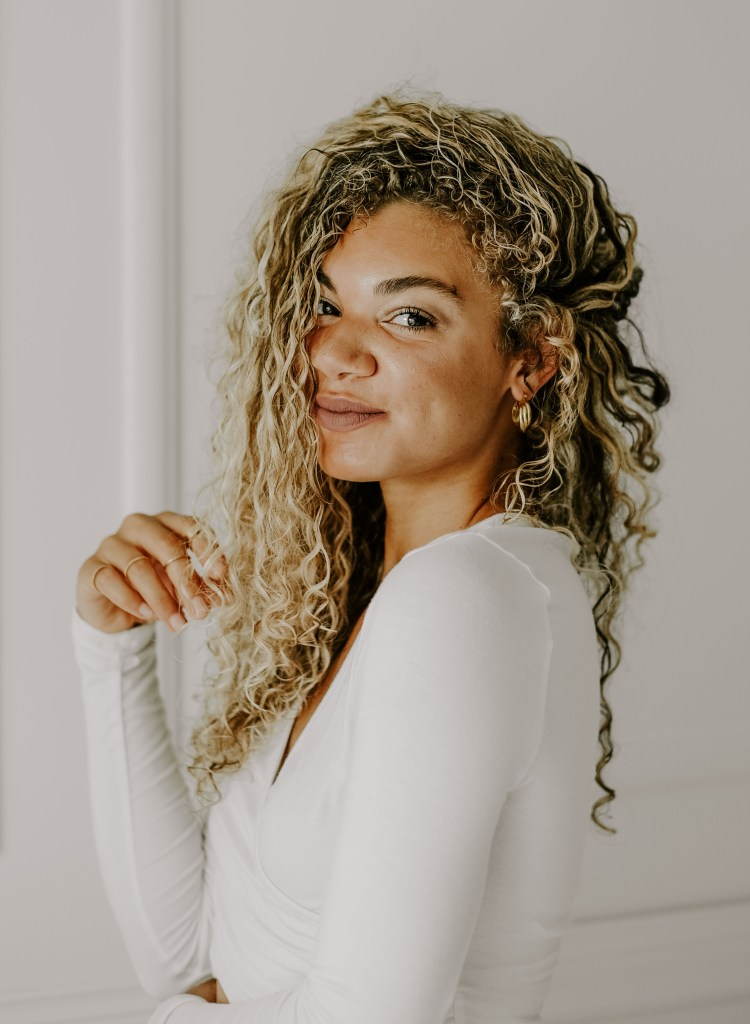 blonde naturally curly hair