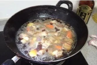 Braised Abalone And Pork Belly in Brown Sauce step6