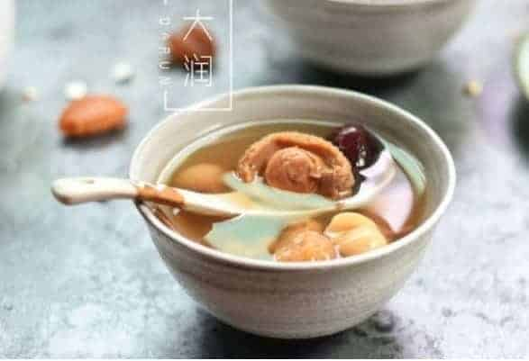 Stewed White Lotus and Figs with Abalone Soup