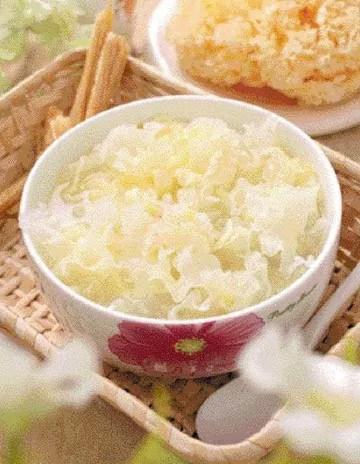 Easy White Fungus Quail Egg Soup Recipe