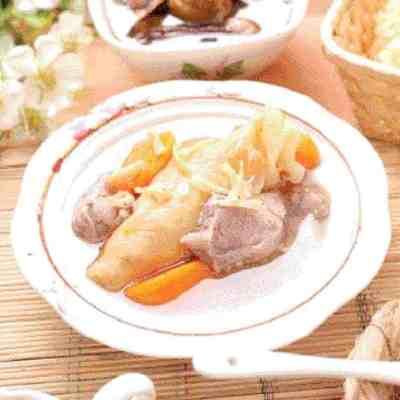 Carrot and Pork Tenderloin Fish Glue Soup Recipe