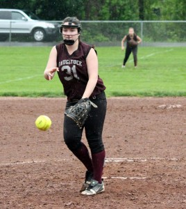 Naugatuck's Nina Kosciuszek was one of five seniors, including Sarah Chandler, Amy Dietz, Sydney Cotto and Gretchen Hale, to lead the Greyhounds this season. –FILE PHOTO