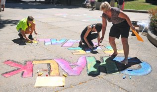 The Naugatuck Arts and Cultural Festival took place on Aug. 24 on the Green. The festival was sponsored by the Naugatuck Arts Commission and the Naugatuck Cultural Council. –LUKE MARSHALL