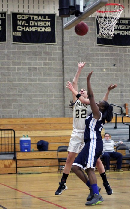 Andrea Piccolo (22) and the Hawks finished the season by winning three of their last four games. –FILE PHOTO