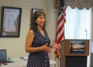 Democrat Theresa Cocchiola-Graveline addresses the Prospect Democratic Town Committee Tuesday after receiving the endorsement to run for mayor. –ELIO GUGLIOTTI