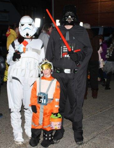 news_halloweenparade-8