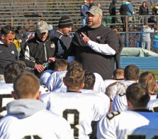 Woodland coach Tim Shea addresses the team after a come-from-behind victory over Seymour at Seymour High School in 2013. –REPUBLICAN-AMERICAN ARCHIVE