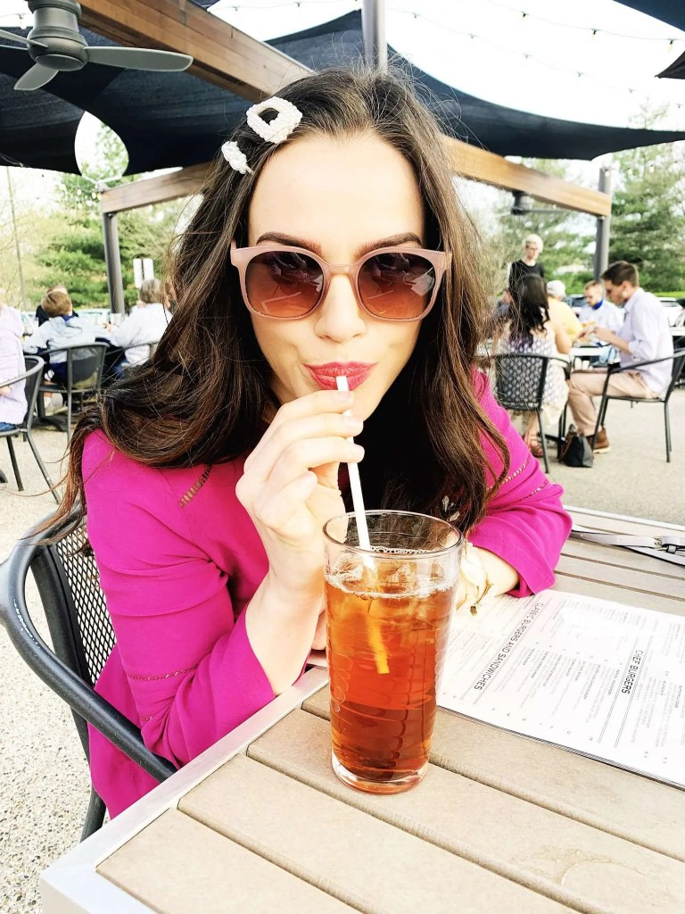 Where To Eat In Lexington After Keeneland - Keeneland race track, Keeneland horse racing, keeneland schedule, Keeneland spring meet, Keeneland Kentucky, what To wear to Keeneland, Keeneland outfit