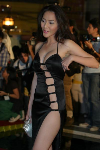 nice-hot-black-dress.jpg