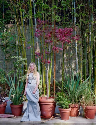 Avril Lavigne With Plants