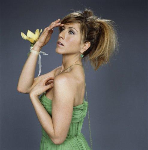 Jennifer Aniston Is Dramatic