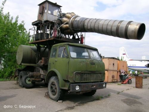 Post Apopalyptic Weaponized Truck