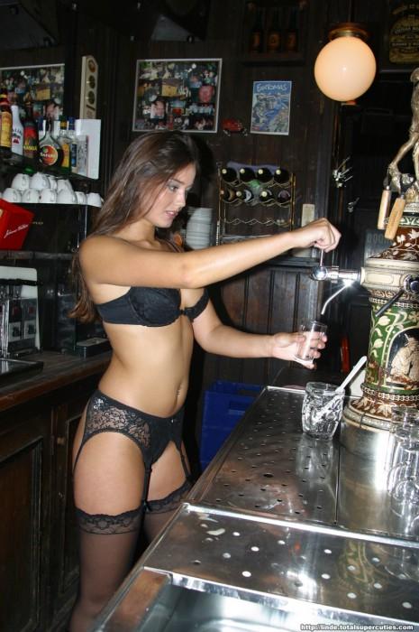 nsfw - sexy bartender