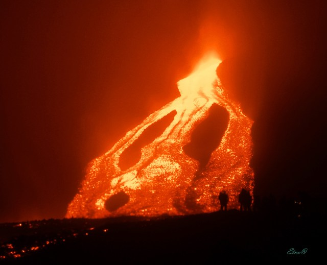 vertical lava flow