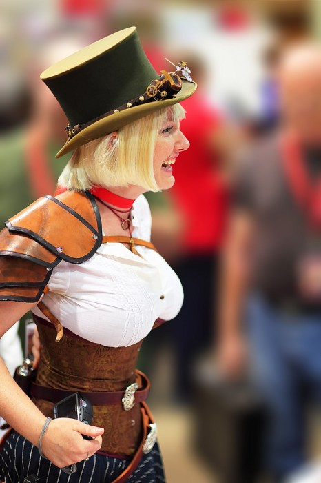 busty top hat