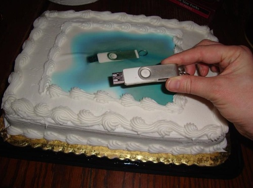 USB Cake.jpg