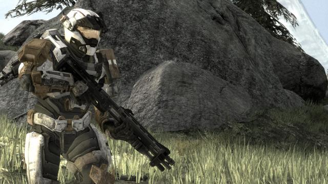 halo spartan in the grass.jpg