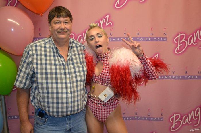 Miley-Cyrus old fan