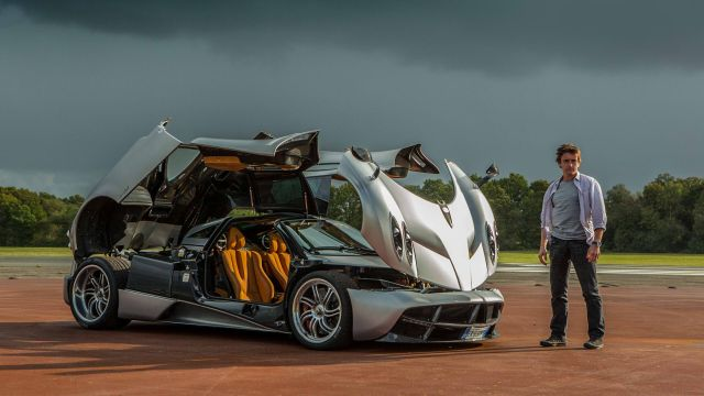 Pagani Huayra and Richard Hammond.jpg