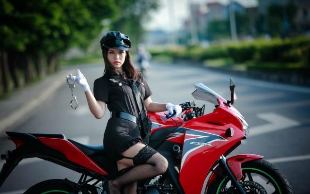 Garters and Bike.jpg