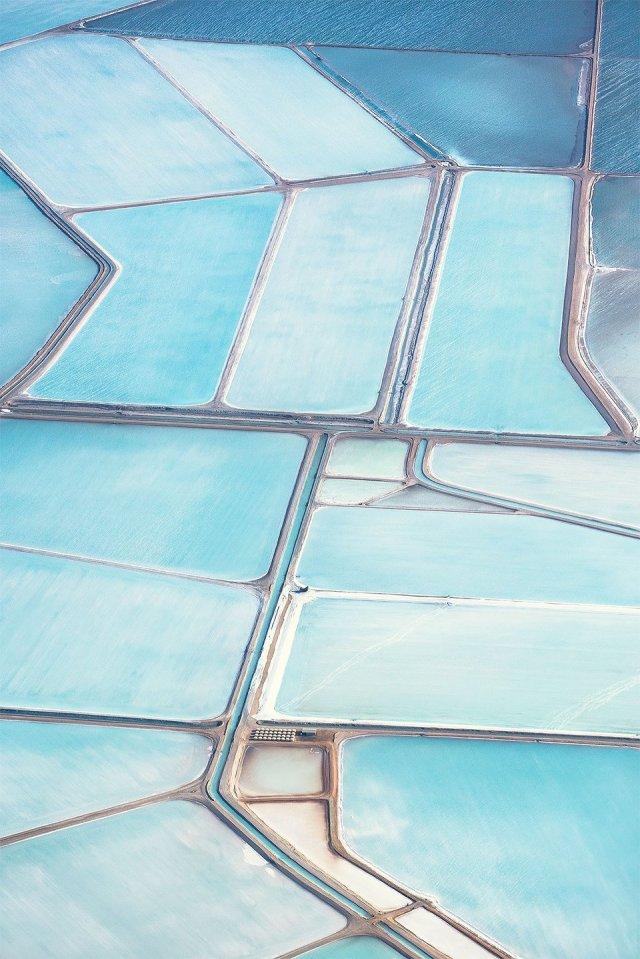 Blue salt fields in Australia.jpg