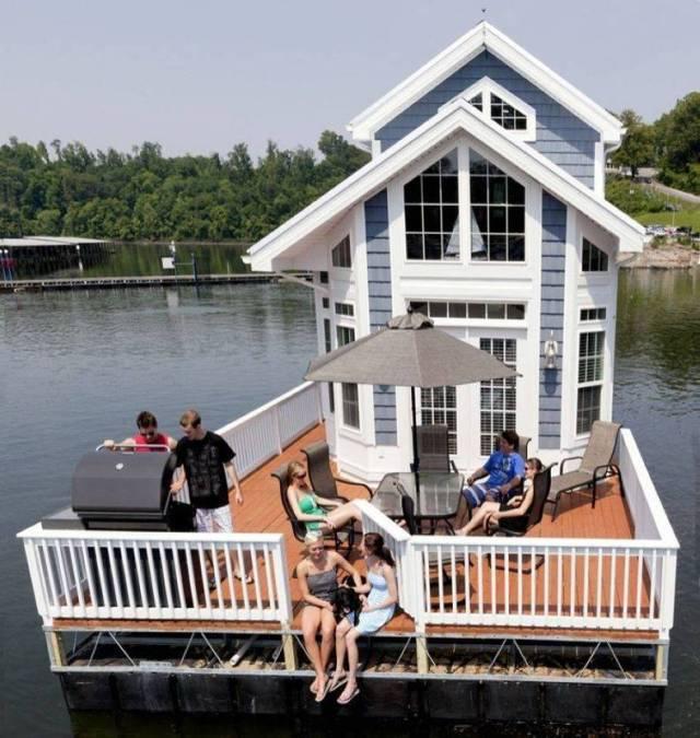 Deck House.jpg