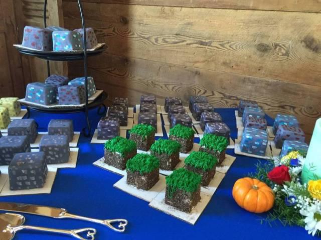 Minecraft Cakes.jpg