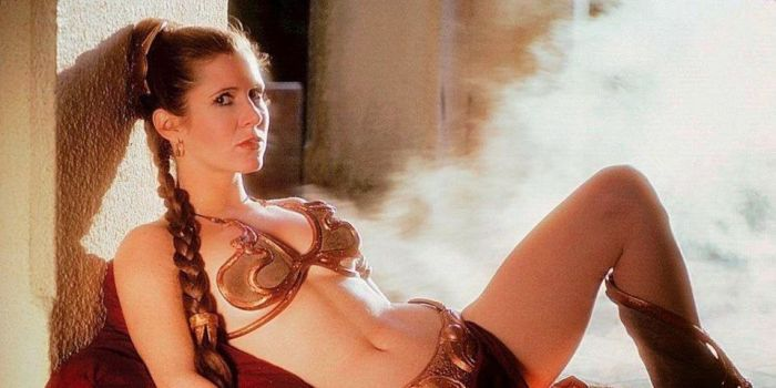 carrie-fisher-posing-seductively-in-a-bikini_0
