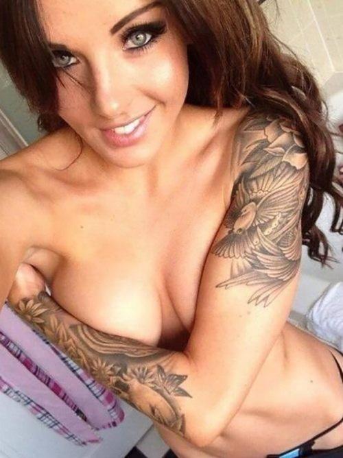 Tattooed-Hotties-15