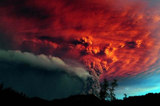 Chiles-Puyehue-Volcano-eruption-june-2011-31