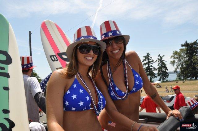Smiling American Bikini Girls.jpg
