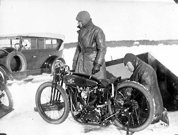 motorcycle_ice_racing_020_12082013