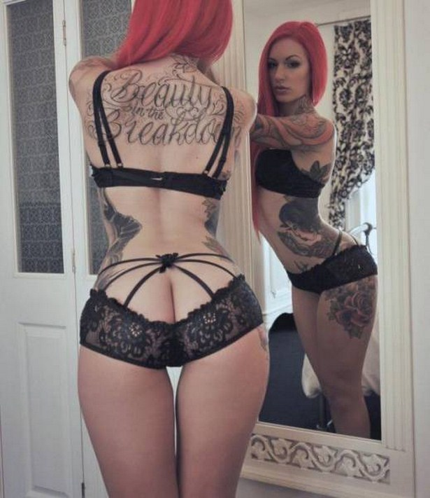 girls-with-tattoos-14