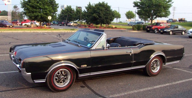muscle-1967-oldsmobile-442-convertible-black