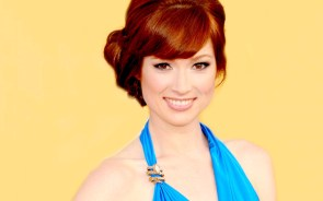 Ellie Kemper in blue
