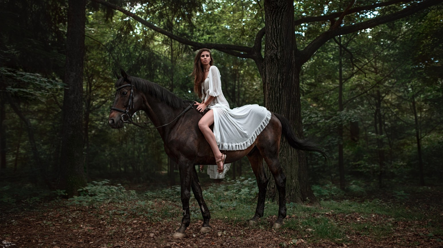 model with horse image