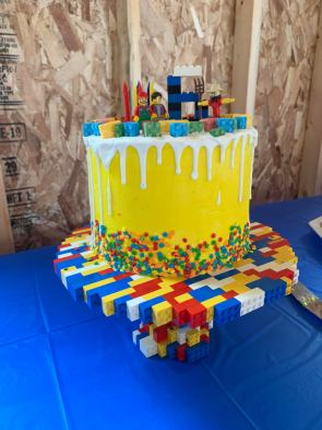 My 6 year old requested a LEGO birthday cake I was told this sub may appreciate this