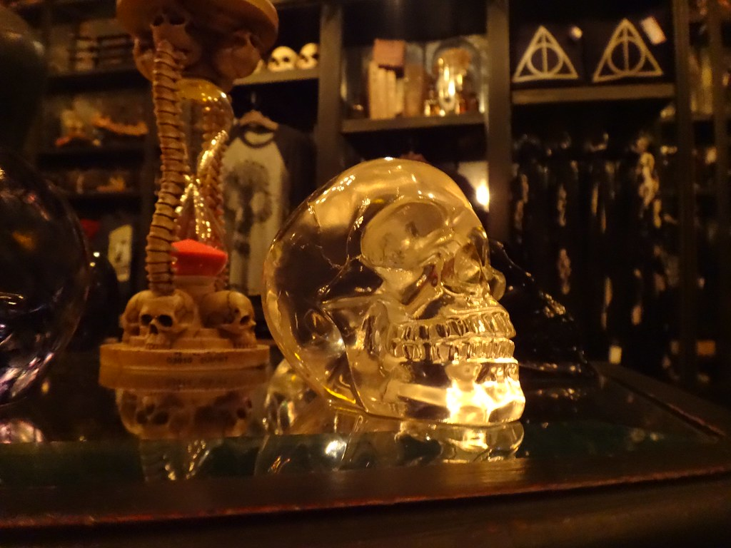 Borgin and Burkes display