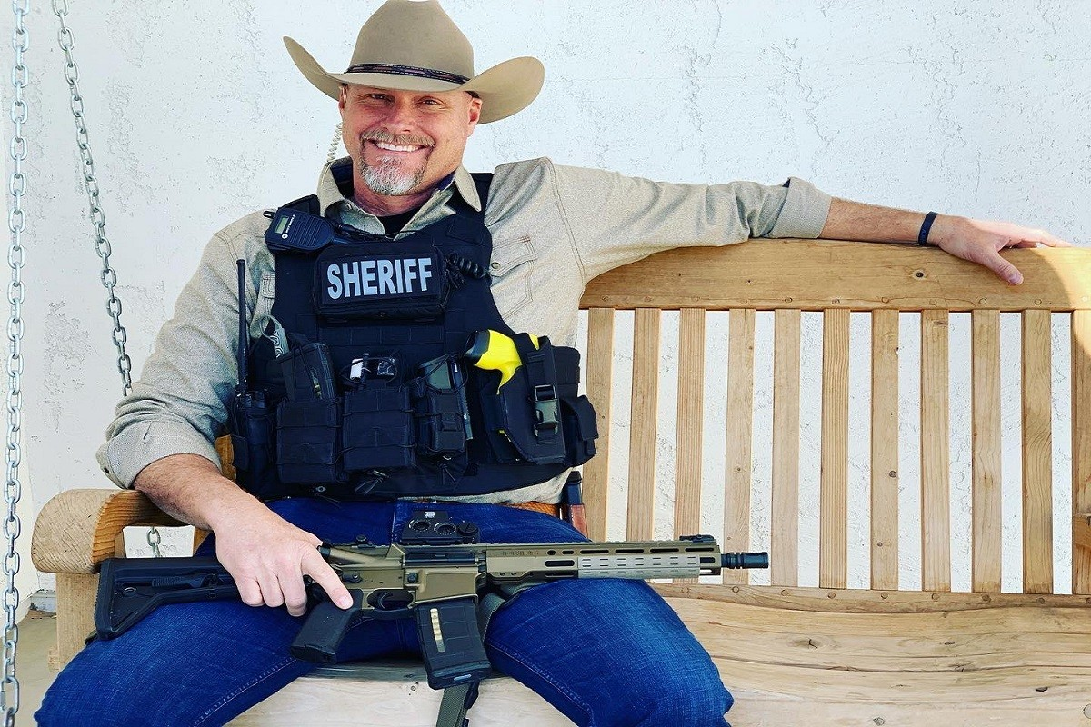 Arizona Sheriff Who Refused to Enforce Lockdown Restrictions Has COVID-19