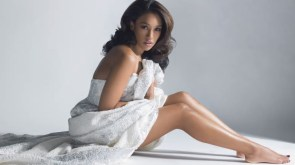 Candice Patton showing off her sexy feet