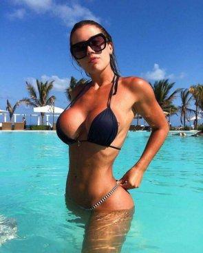 Bikini Girls 53 pics