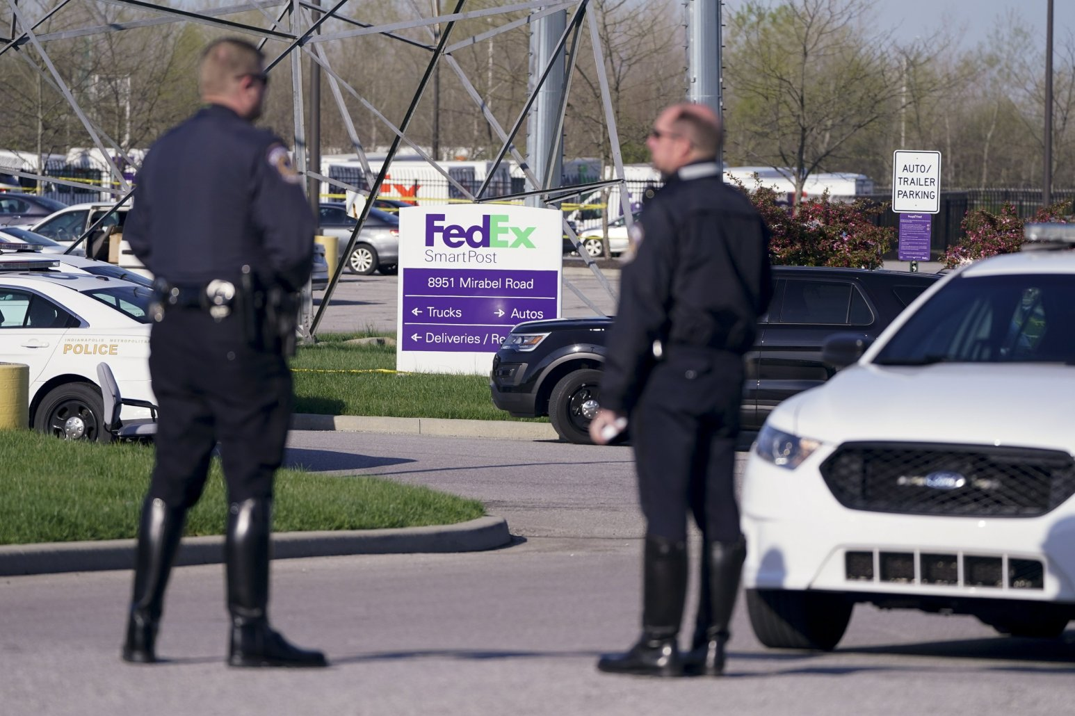 Police 8 dead in shooting at FedEx facility in Indianapolis