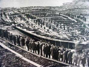 Italians viewing emperor Caligula's Nemi ships 1932 1600?