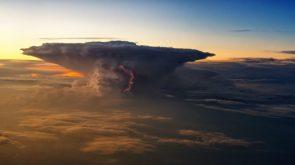 Lightning in a thunderhead cloud Photo credit to Johannes Plenio 3840 x 2160