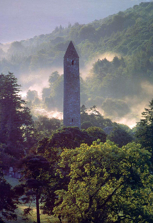 glendalough-1_round_tower.jpg (213 KB)