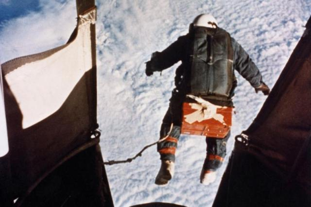 Kittinger-jump.jpg (51 KB)