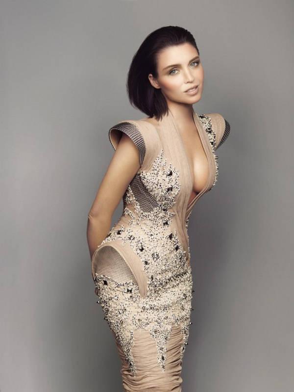 Dannii-Minogue-Harpers-Bazaar-2.jpg (47 KB)